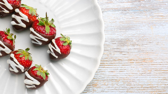 chocolate-covered-strawberries-recipes_1516397866083_334839_ver1-0_32155425_ver1-0_640_360_677783