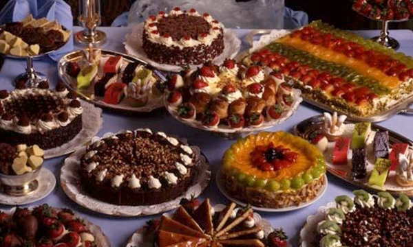 holiday-dessert-cakes-tortes-valentines-day-treat_1517004750799_336935_ver1-0_32742407_ver1-0_640_360_684503