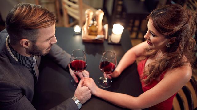 valentines-day-dinner-wine-happy-couple-romantic-love_1515533287088_329966_ver1-0_31347627_ver1-0_640_360_671077