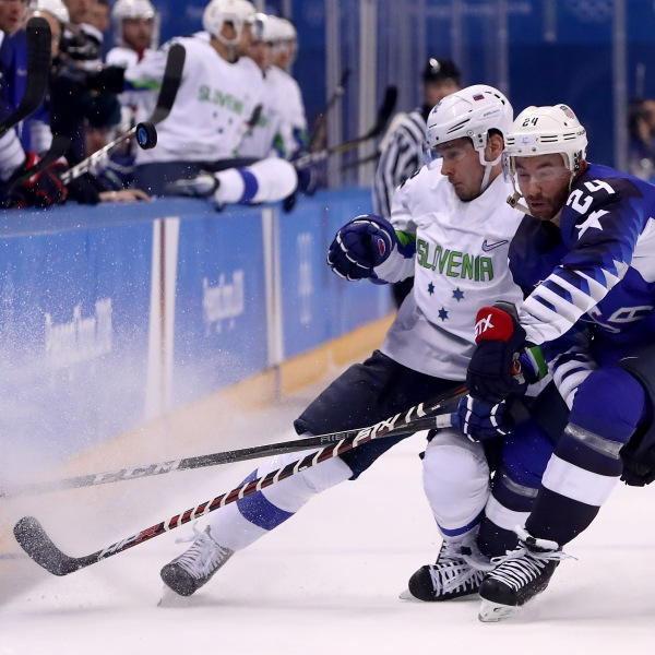 Ice Hockey – Winter Olympics Day 5 – United States v Slovenia_697578