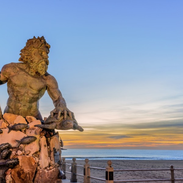 Shutterstock Virginia Beach King Neptune_704401