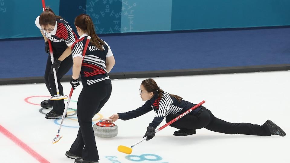 south_korea_wcurling_final_704682