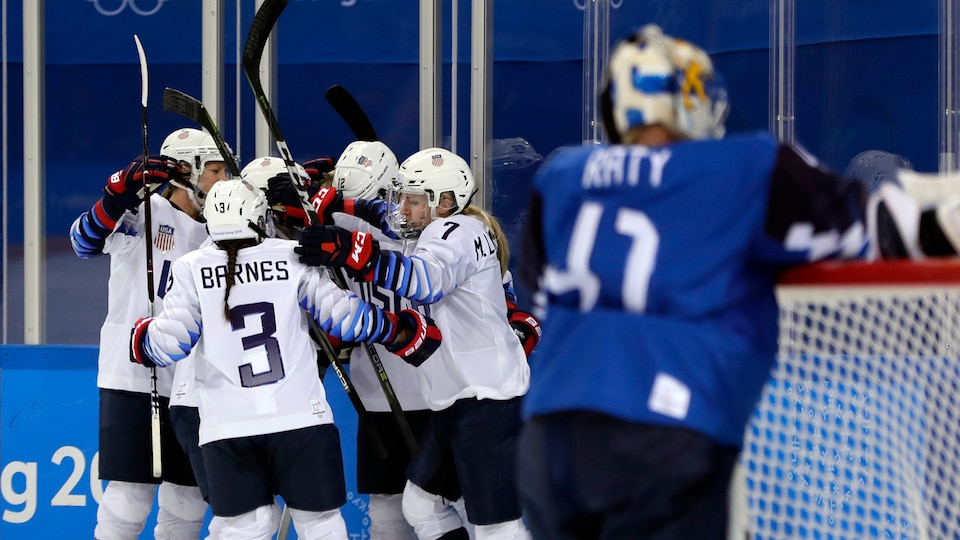 united_states_celebrate_vs-_finland_695092