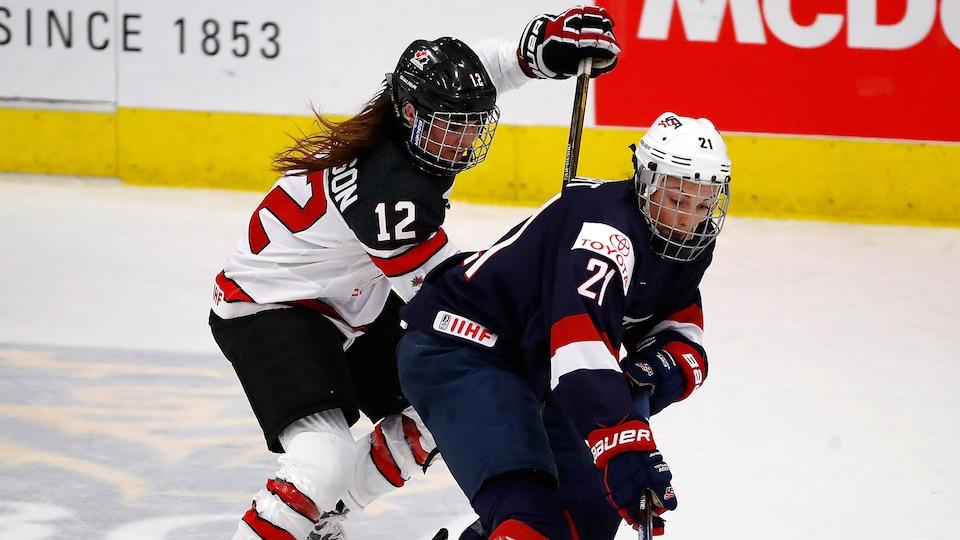usa_vs-_canada_womens_hockey_694573
