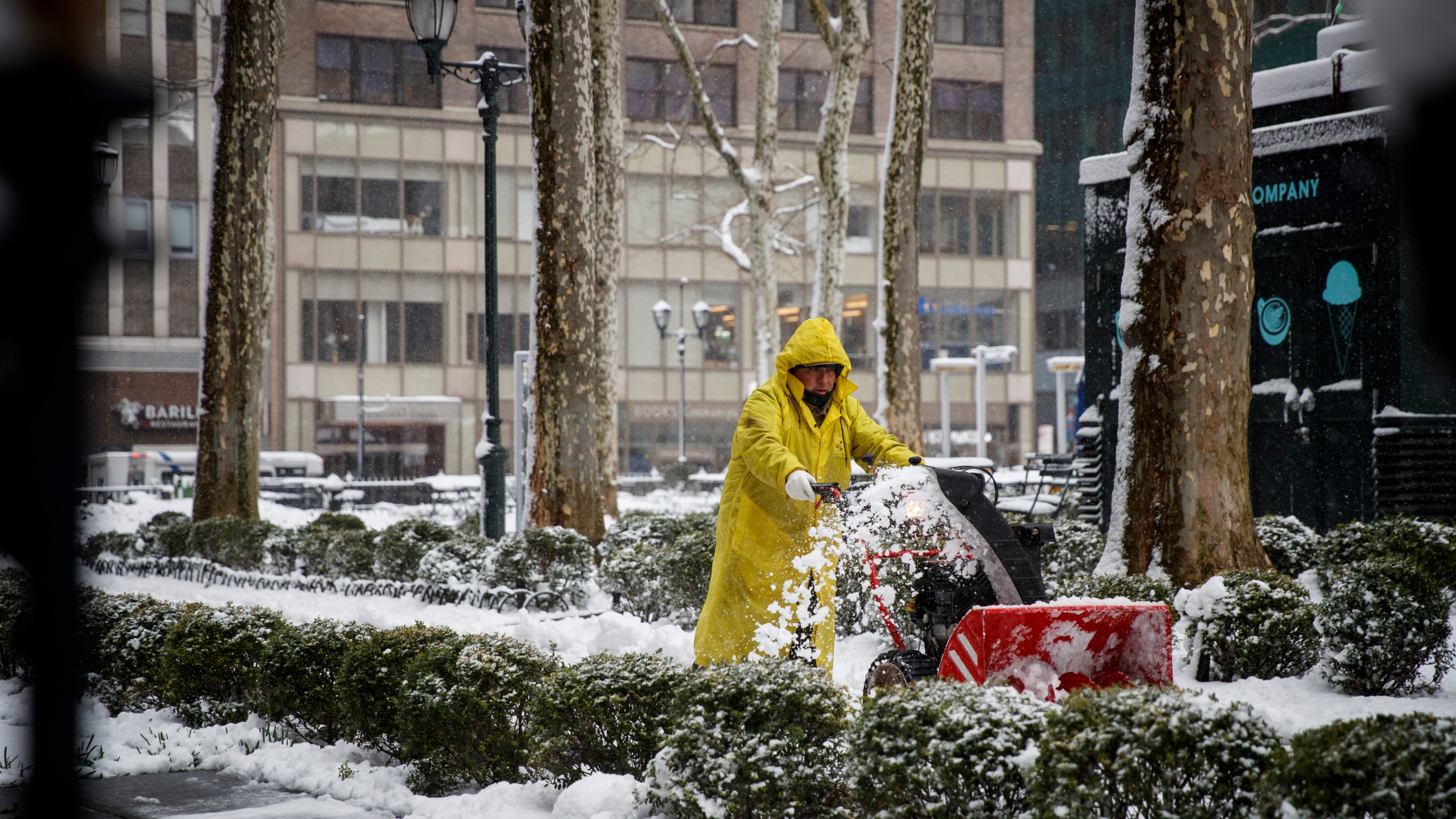 Storm Brings Snow, Sleet, And High Winds To Mid Atlantic Region On Second Day Of Spring_720422
