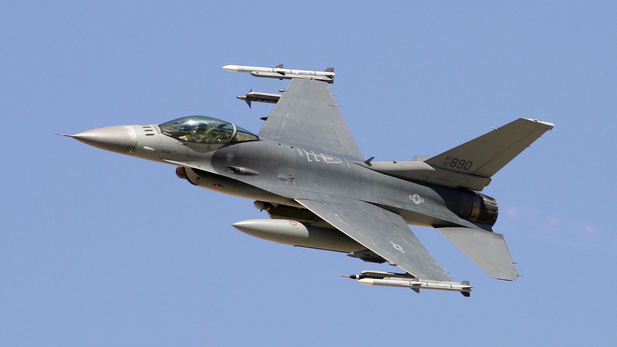 F-16 in Nevada