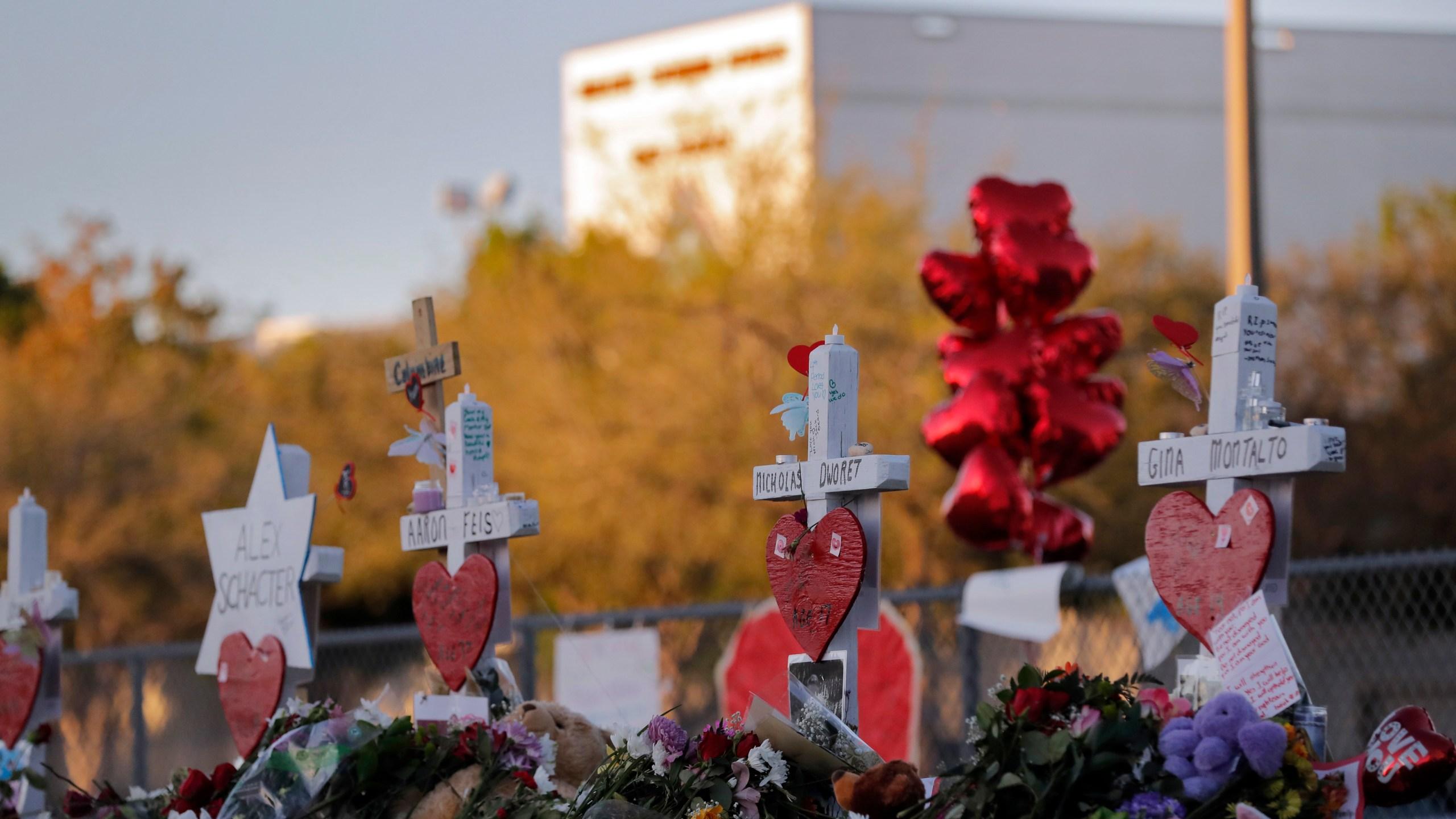 Parkland Shooting memorial_713732