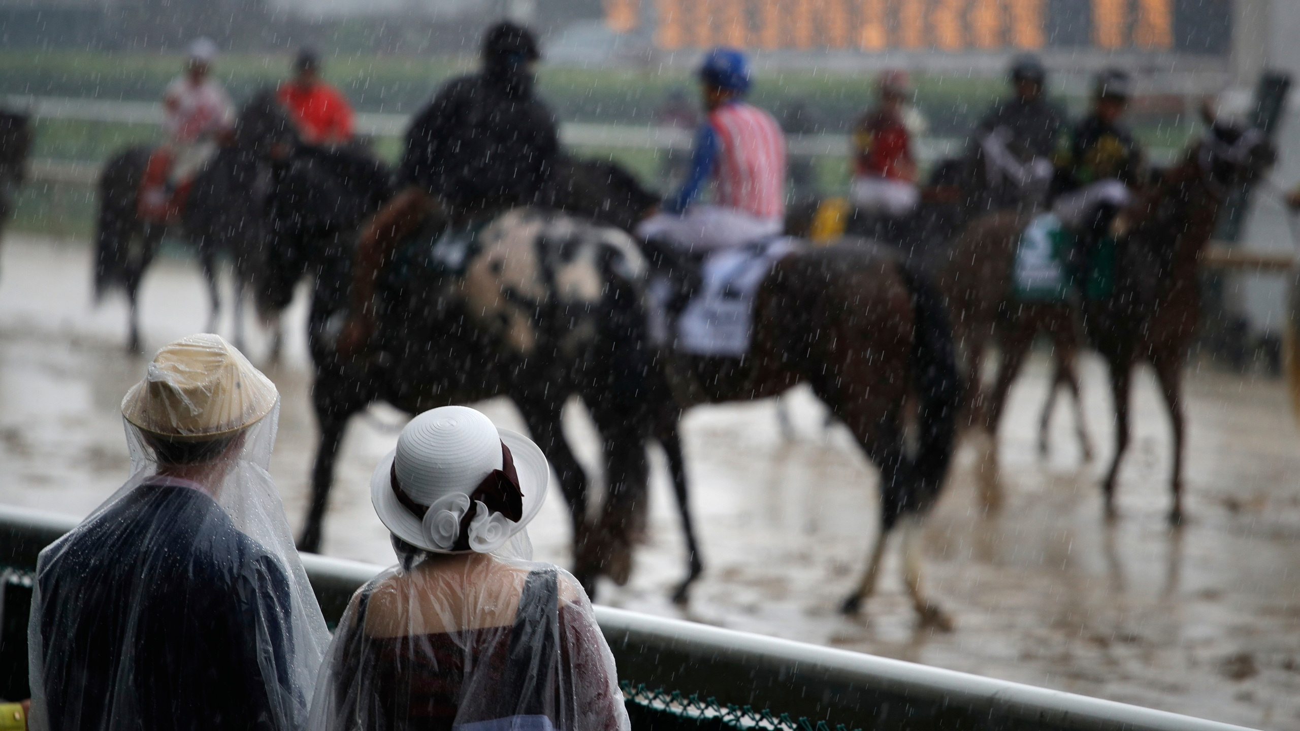 APTOPIX Kentucky Derby Horse Racing_1525561940715