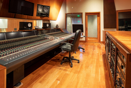 Timbaland Studio_1532963081490.PNG.jpg