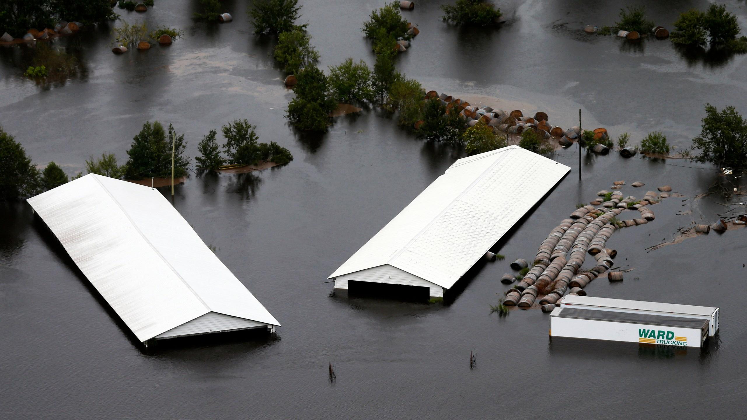 APTOPIX Tropical Weather North Carolina_1537210420374