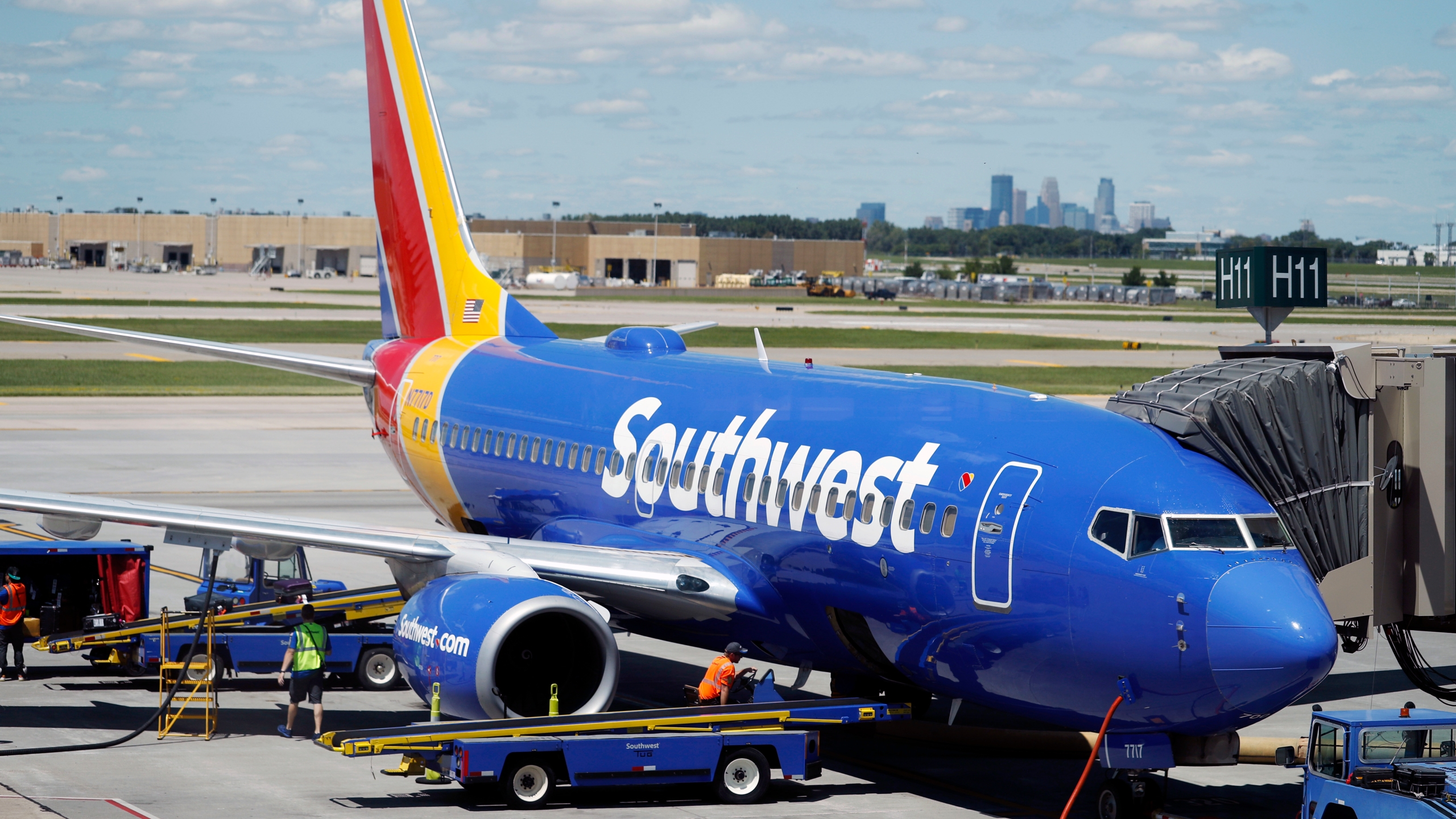 Earns_Southwest_Airlines_42751-159532.jpg65695202