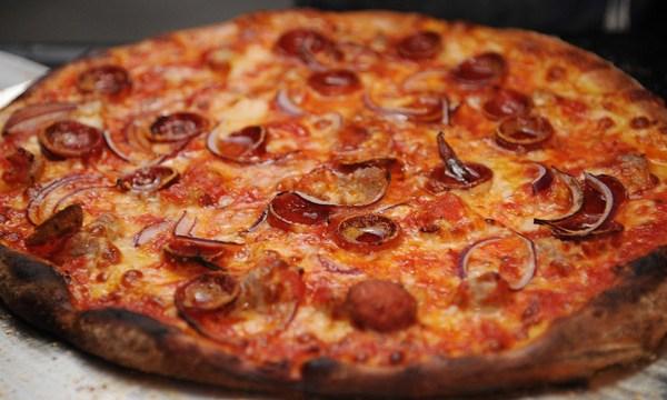 pizza_1537445188989_56227553_ver1.0_640_360_1537446382413.jpg