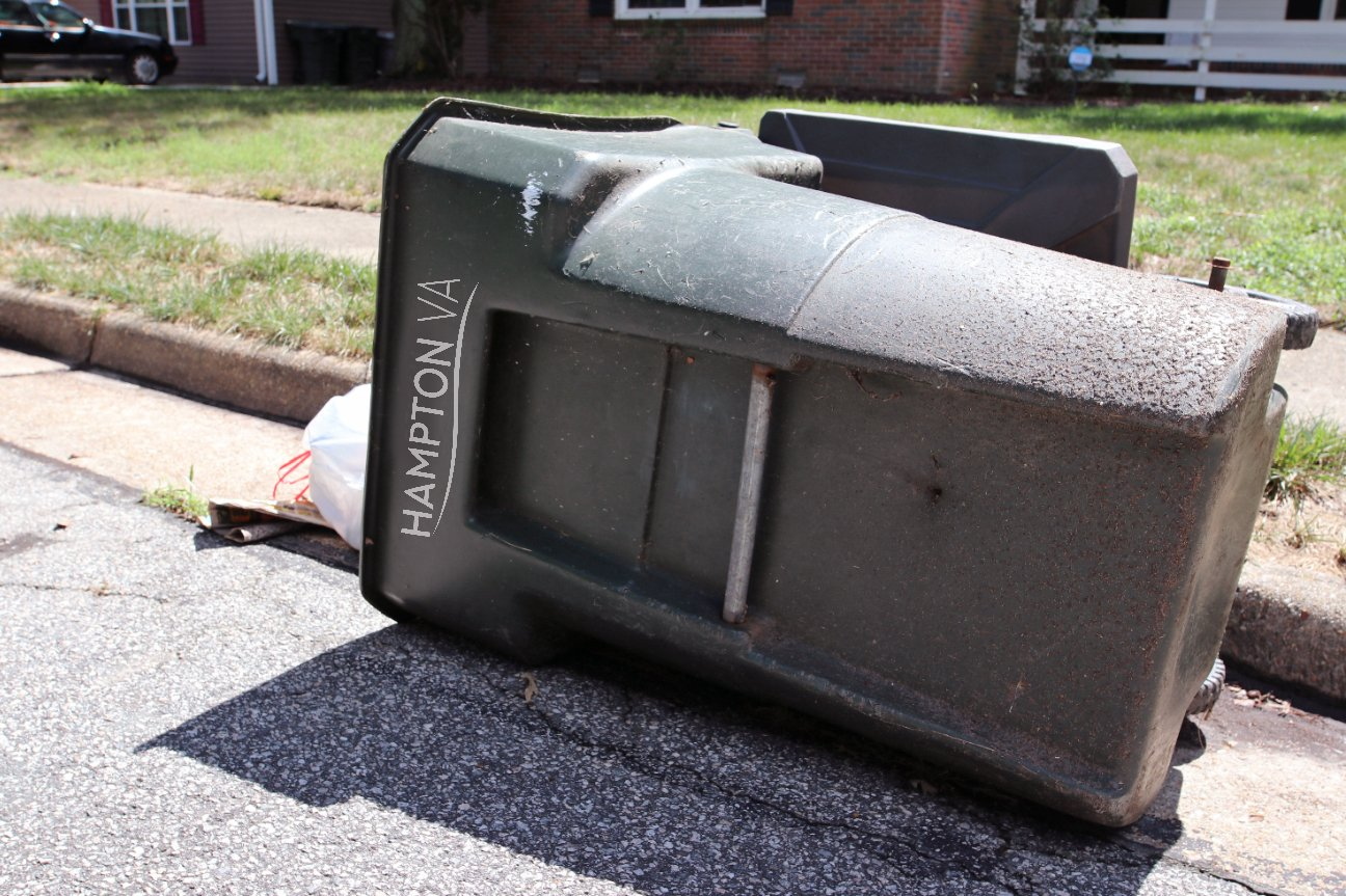 trashcan down hampton_1536695901800.jpg.jpg