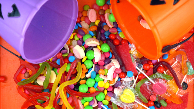 Halloween Trick Or Treat Candy Overhead Jack-o-lantern Buckets_626424