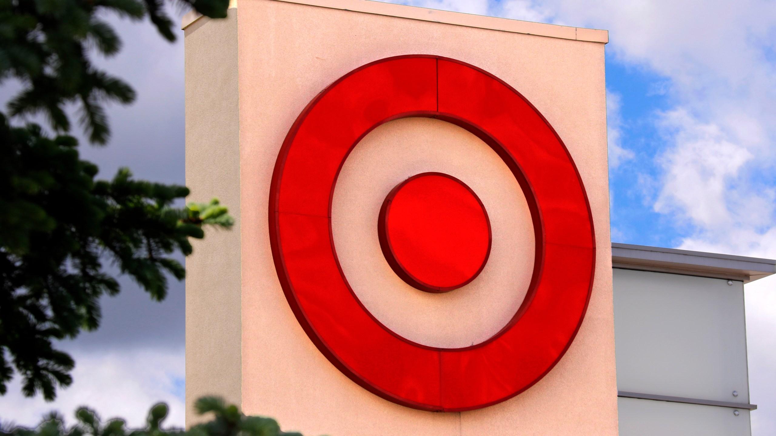 Earns_Target_15242-159532.jpg77732581
