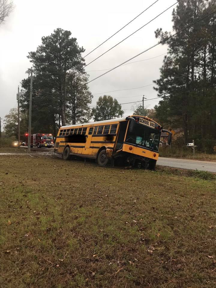 iow bus crash_1541544950340.jpg.jpg