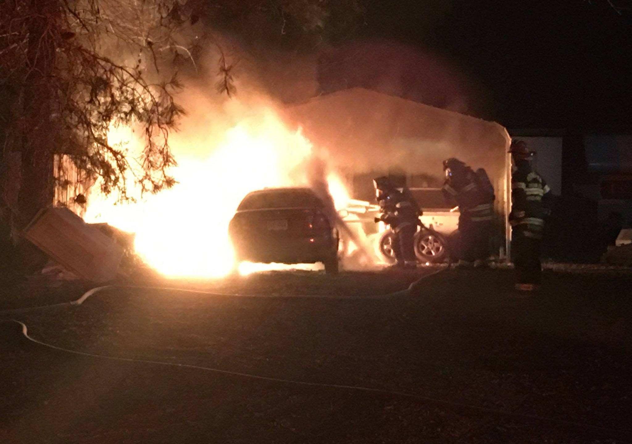 hayes carmine's island car fire (3)_1547050000098.jpg.jpg