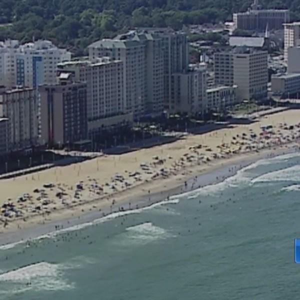 Va__Beach_officials_discuss_ways_to_addr_0_20190325225357