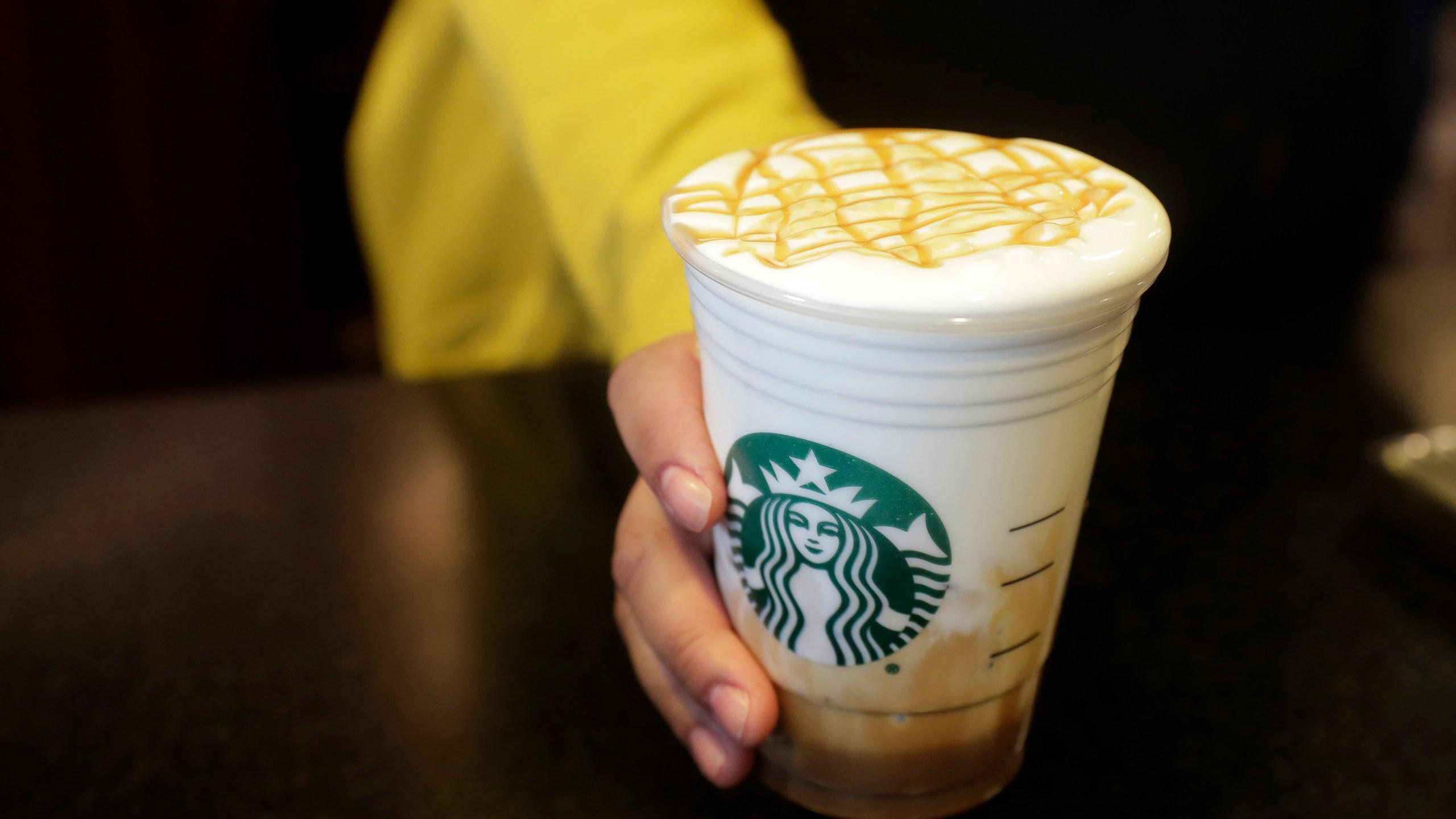 Earns_Starbucks_86124-159532.jpg41098014