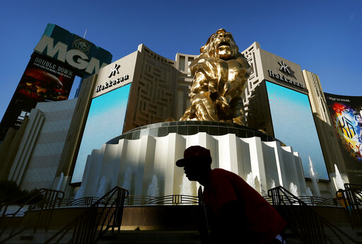 Aug 28, · MGM Resorts International, the Las Vegas-based casino operator, will layoff 18, furloughed workers.MGM's CEO Bill Hornbuckle blamed the continuing impact of the coronavirus pandemic for the.