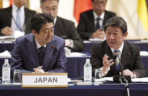 Toshimitsu Motegi, Shinzo Abe
