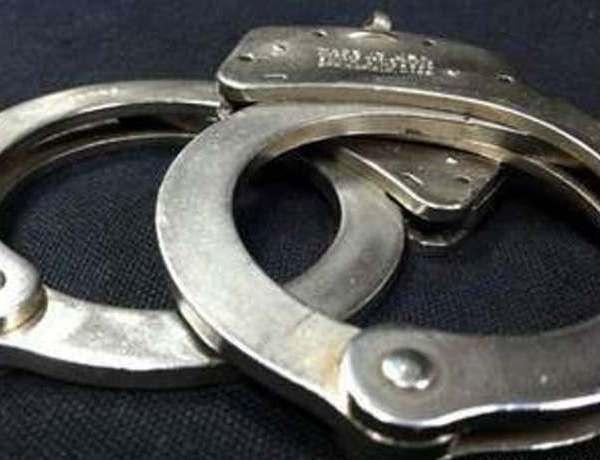 handcuffs_443129