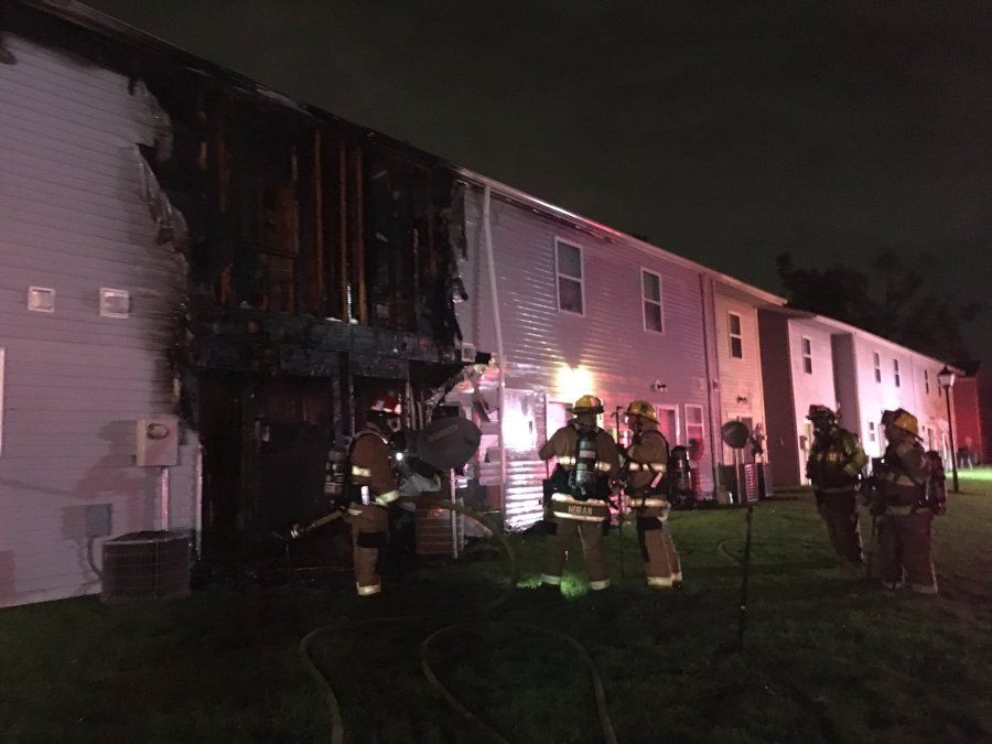 10 kids, 5 adults displaced after fire damages 5 townhouses in Deep Creek area of Chesapeake