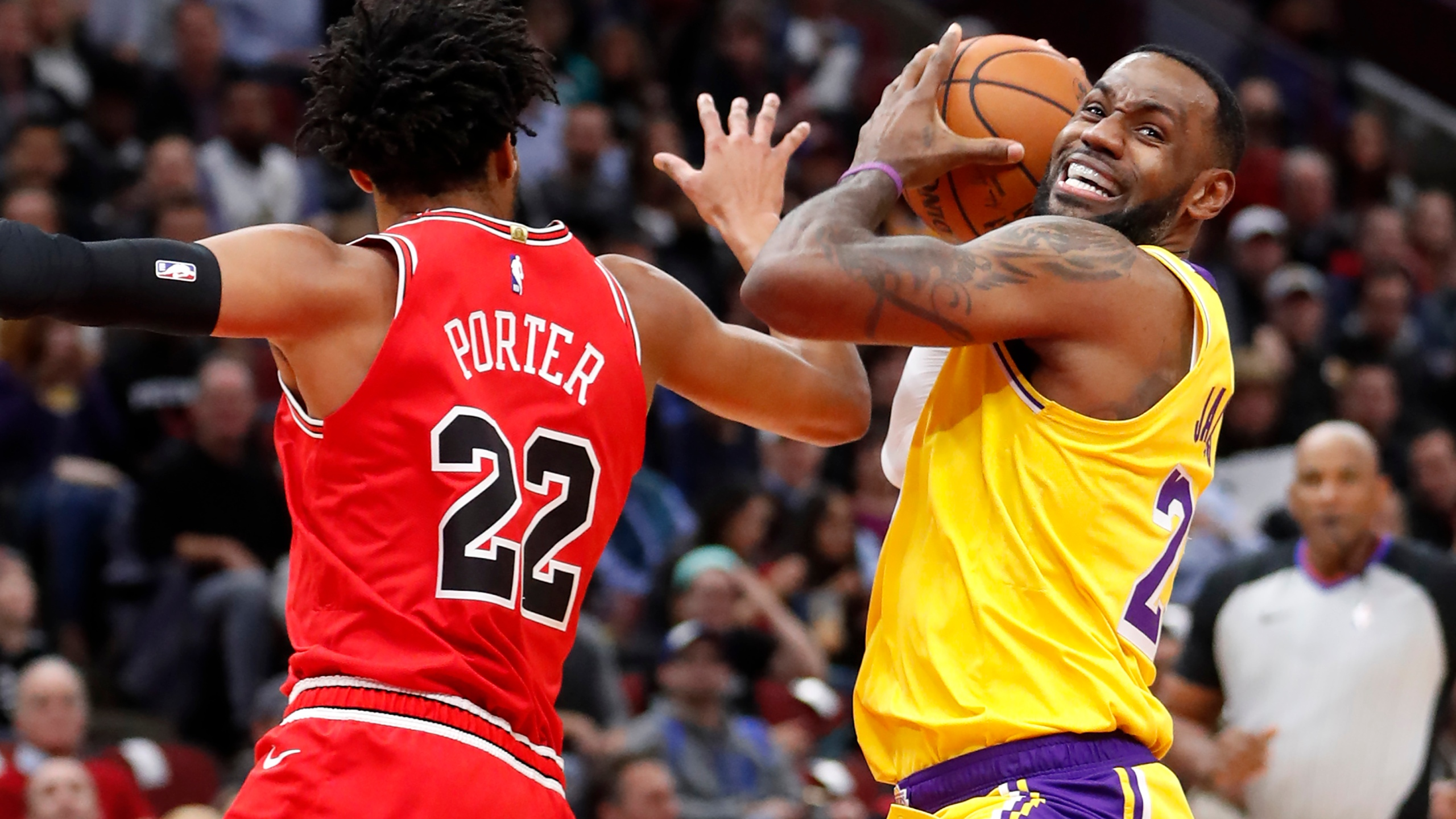 LeBron 3rd straight triple-double, Lakers rally past Bulls – WAVY.com