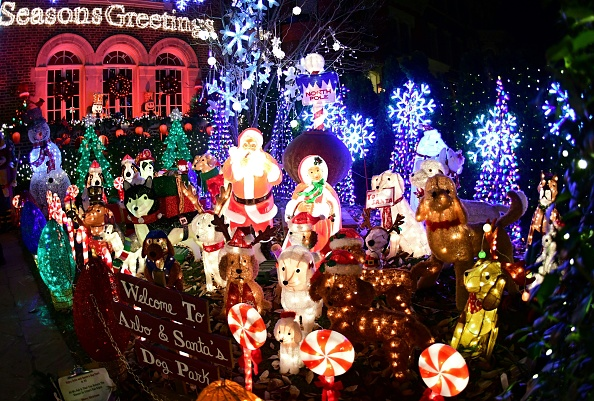 2021 Cox Cable Christmas Parade Holiday Happenings In Hampton Roads 2019 Wavy Com