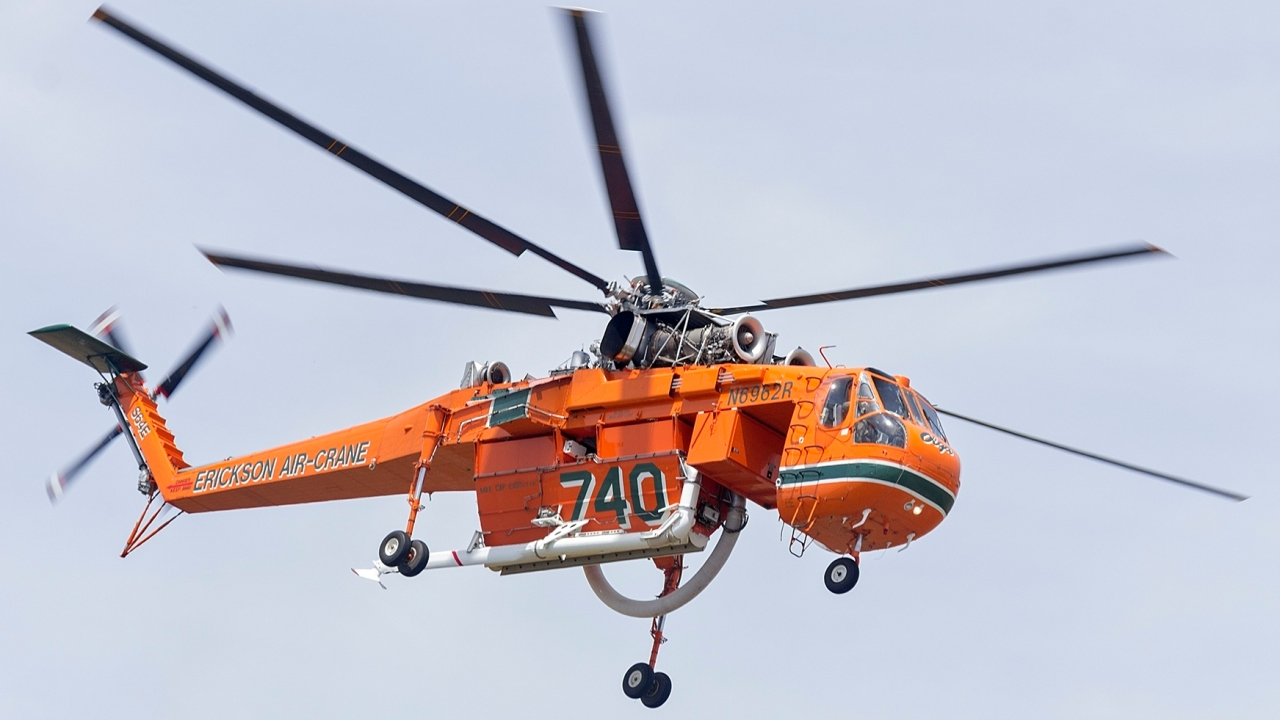 Helicopters to tow planes over Norfolk Saturday