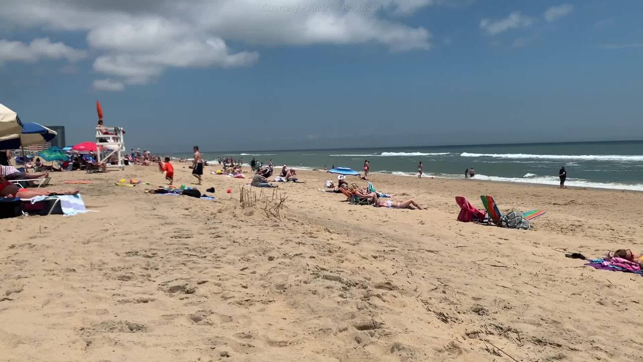 Crowds gather at VB Oceanfront for Memorial Day weekend