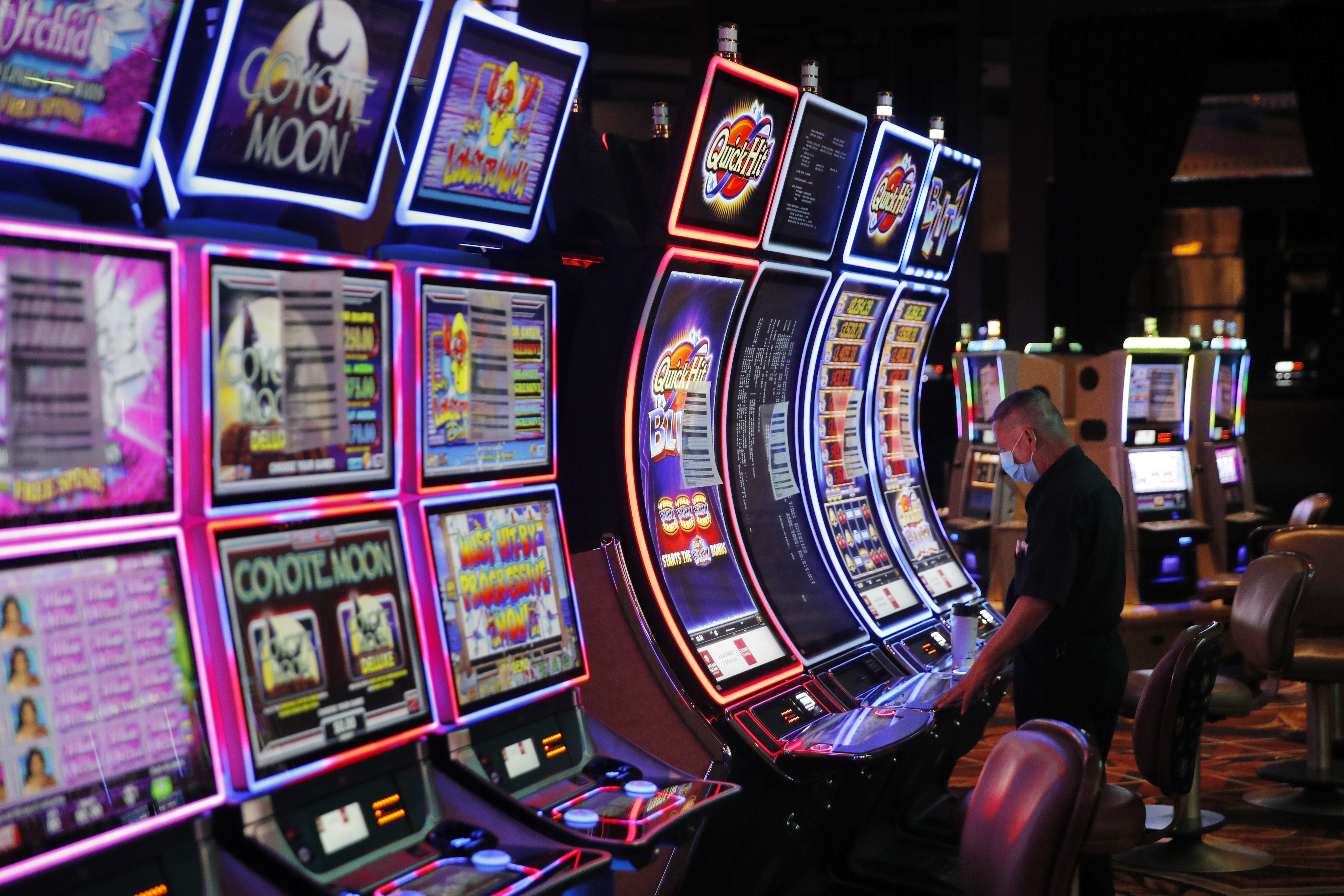 Nevada Betting On Health Safety As Las Vegas Casinos Reopen Wavy Com